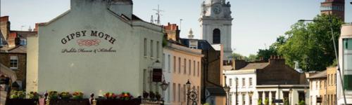 ロンドン郊外、由緒ある世界遺産の港町で英語力の向上を目指す。
